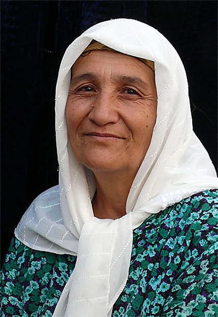 Femme au marché d'Urgut