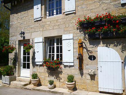 Village perché de Château-Chalon, Jura, France