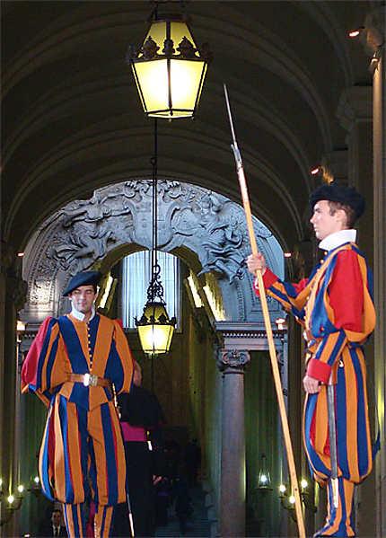 La garde veille au sein du Vatican