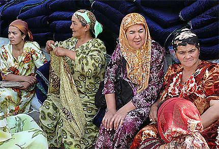 Femmes au marché d'Urgut