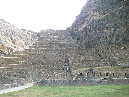 Village inca de Ollantaytambo 2792 m d'altitude