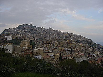 Vue d'Agira