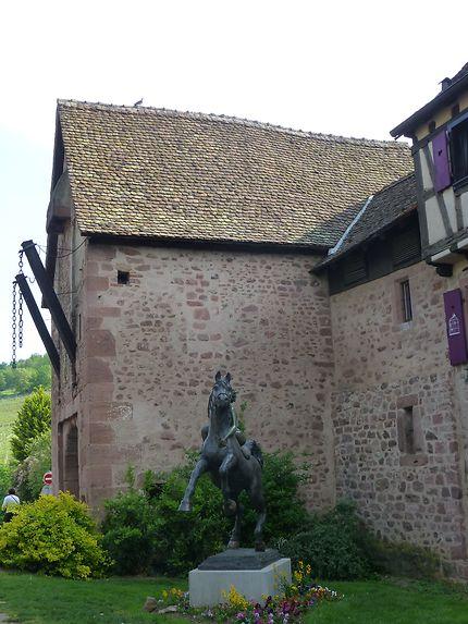 Statue équestre à Riquewihr
