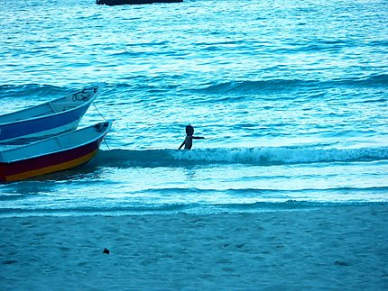 Enfance dans les vagues