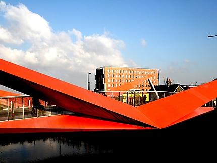 Pont moderne à Cardiff Bay