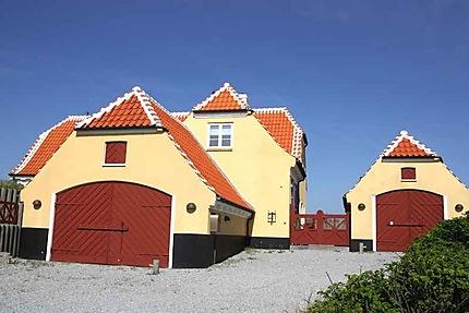 Maisons jaunes et toits rouges à Skagen