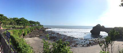 Temple près de la mer