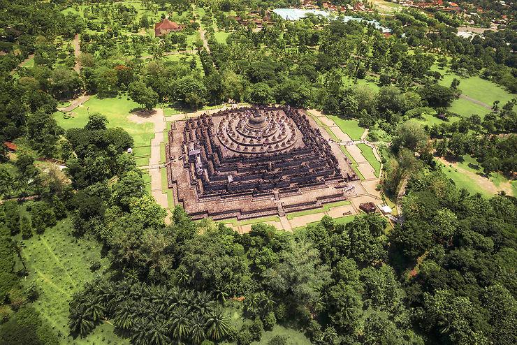 Borobudur, le plus grand monument bouddhiste du monde