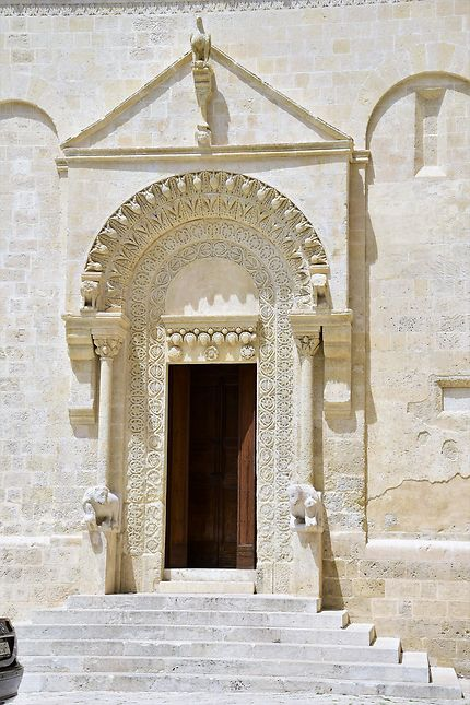 L'entrée du Duomo à Matera