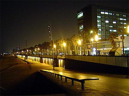Le remblais by night