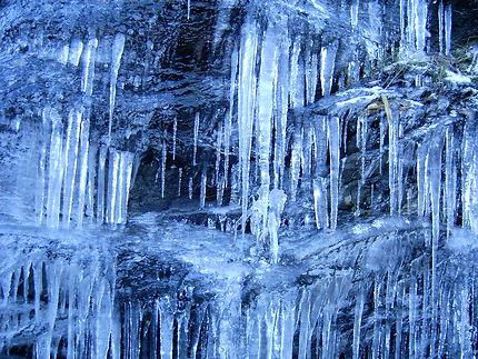 Un tour de magie et la glace est subitement bleue
