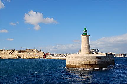 """Entrée du """"Grand Harbour"""""""