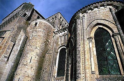 L'abbatiale de Saint-Jouin de Marnes