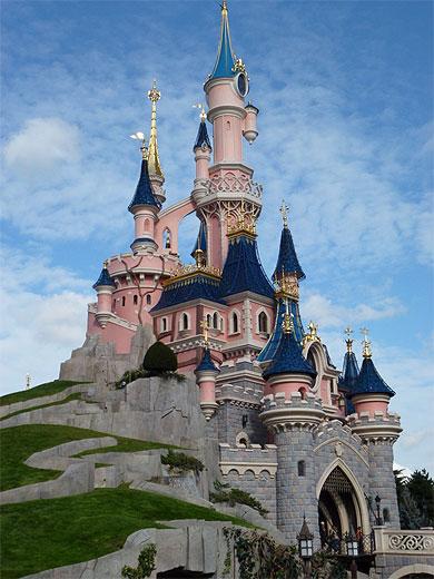 Le ch teau de la belle au bois dormant disney disneyland paris marne la vall e seine et - Chateau la belle au bois dormant ...