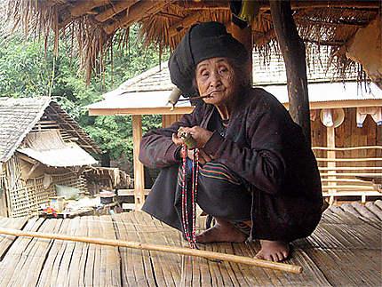 Photos de femmes donnant des pipes