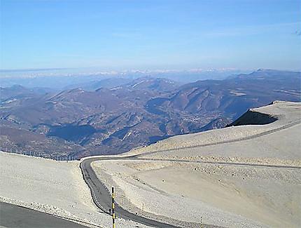Vue du Mont Ventoux en hiver