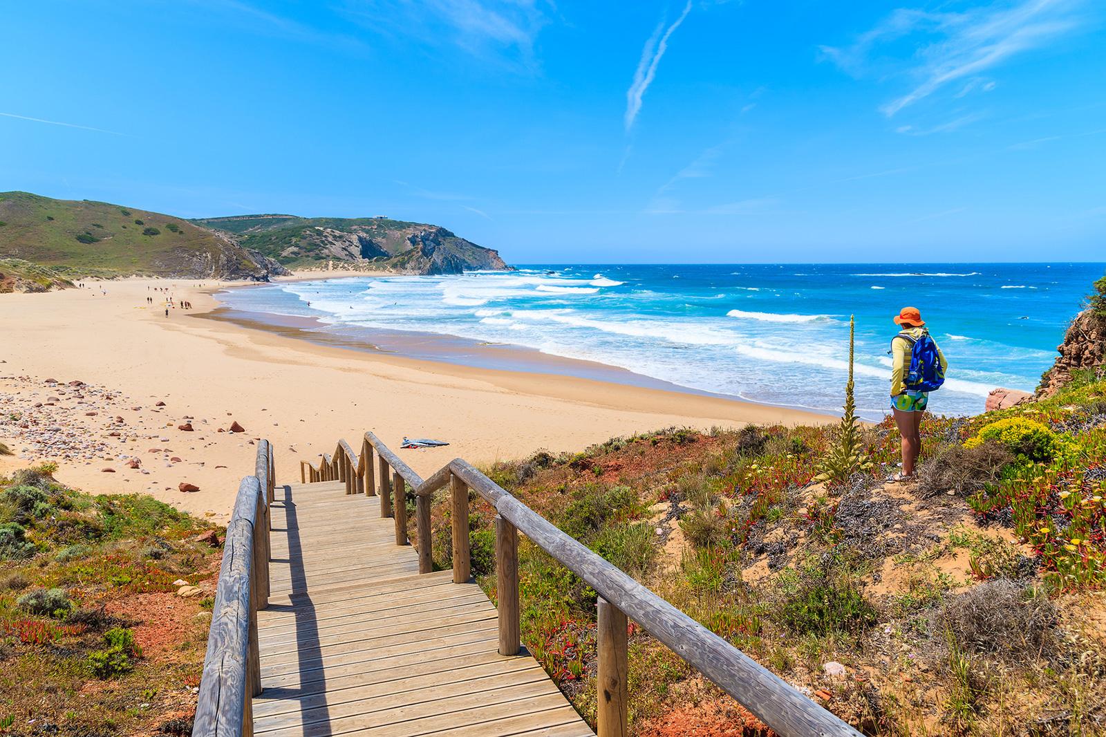 Surfer l'été au portugal