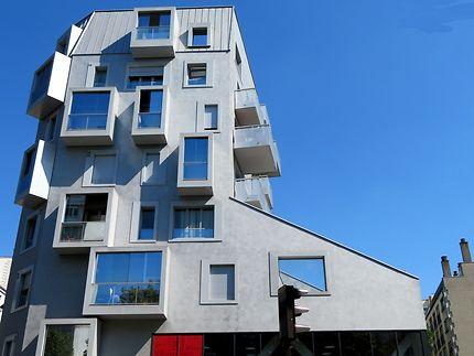 Surprenant immeuble moderne