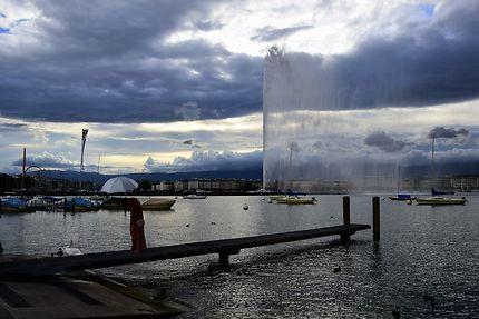 Le jet d'eau sur le lac à Genève