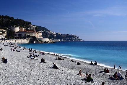 La plage de Nice en février
