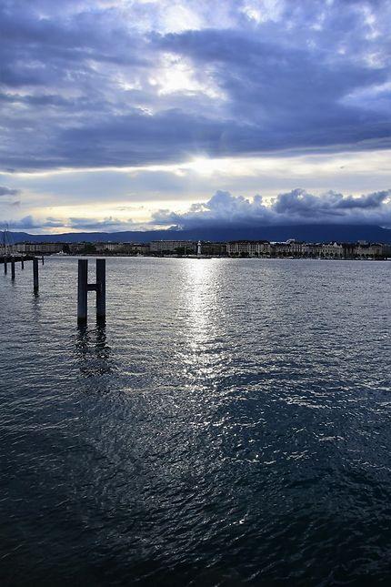 Orage sur le lac à Genève