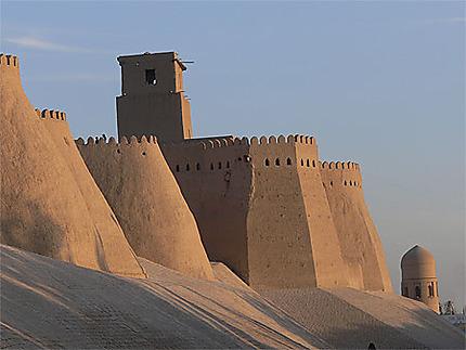 Remparts de la citadelle Ichan Kala