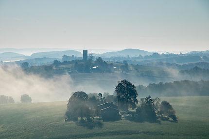 La campagne tarnaise sous la brume