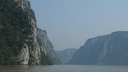 Vue des portes de fer sur le Danube