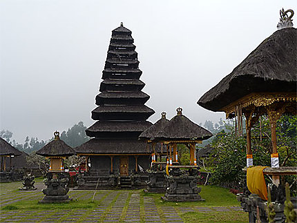Temple Pura Besakih