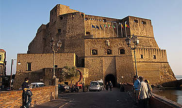 Castel dell'Ovo (Château de l'Œuf)