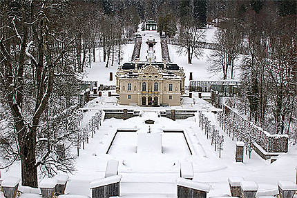 Château de Linderhof sous la neige