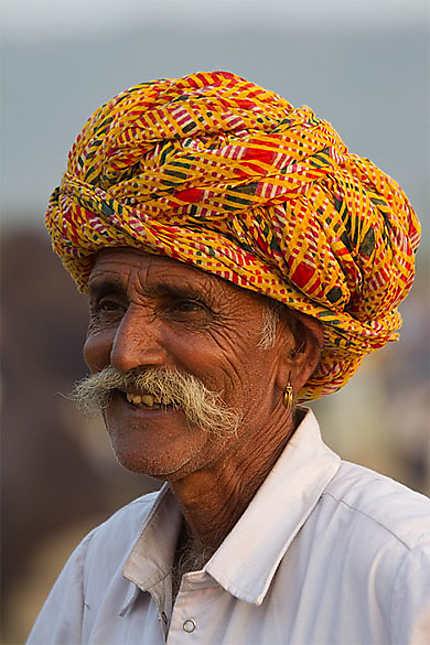 Durant le marché annuel aux chameaux