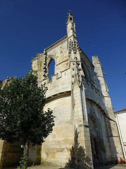 Eglise endommagée à Saint-Martin-de-Ré