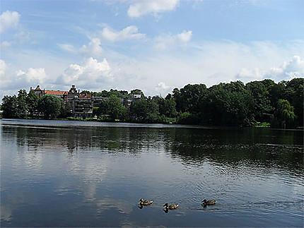 Lac dans les anciennes douves