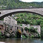 Le pont sur le Tarn, seul accés au village