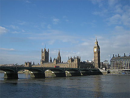 Parliament & Big Ben on a sunny day