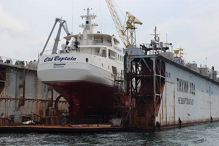 Port de Sébastopol et son chantier de réparation