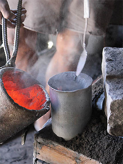 Coulage d'une marmite en aluminium