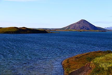 Au bord du lac Myvatn