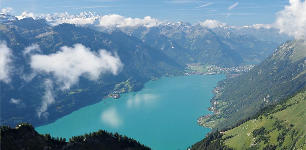 Lac de Brienz, une extraordinaire couleur turquoise.