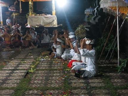 La prière  lors de la pleine lune d'octobre 2017