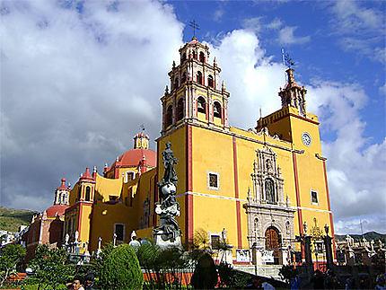 L'église jaune