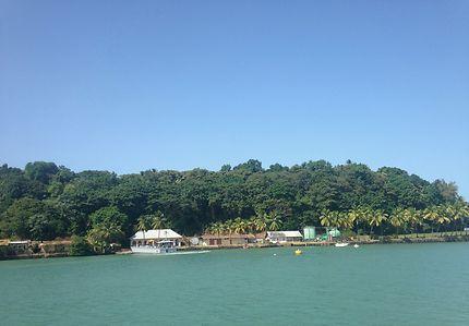 Embarcadère sur l'Île Royale, Guyane