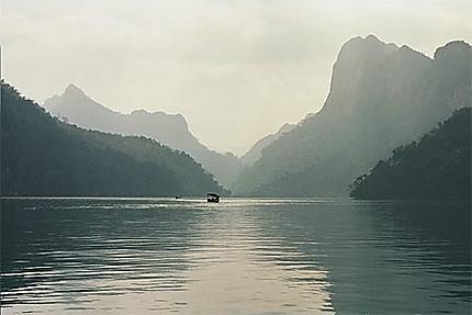 Mystères du lac Ba Be...