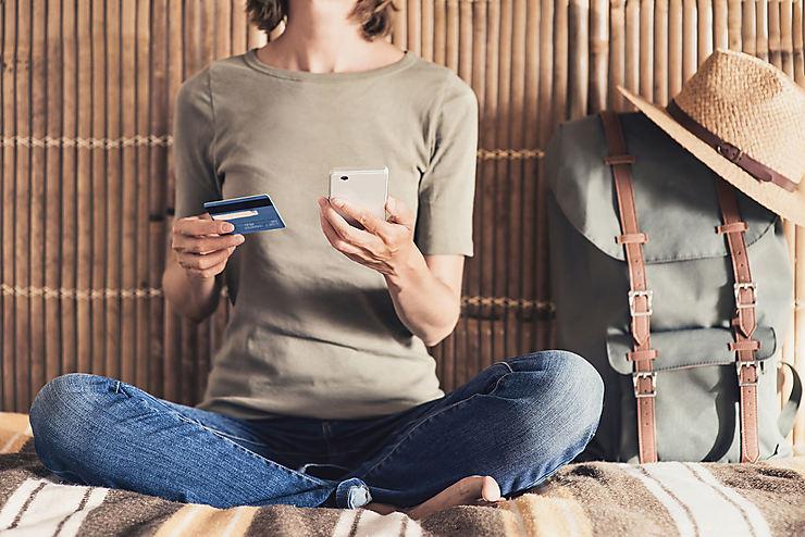 Carte bancaire : les réflexes avant de partir en voyage