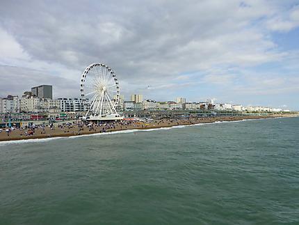 Grande roue sur la plage