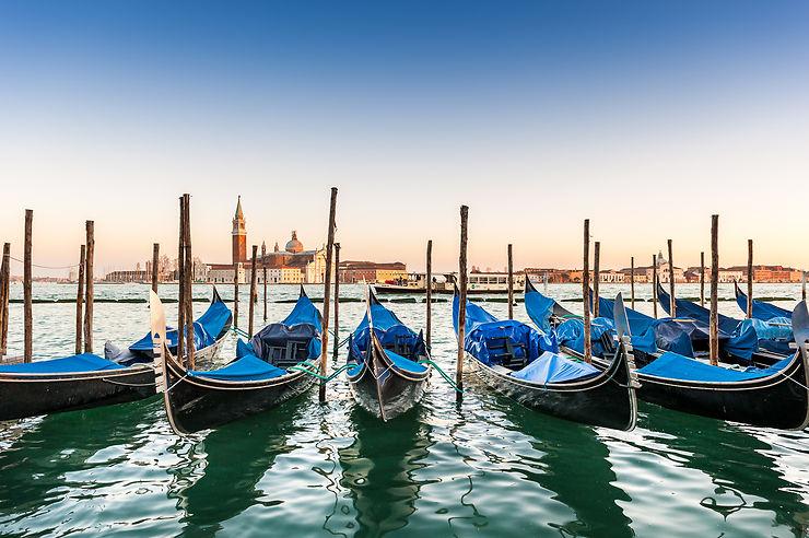 Vaporetto, gondole, etc. - Venise, Italie