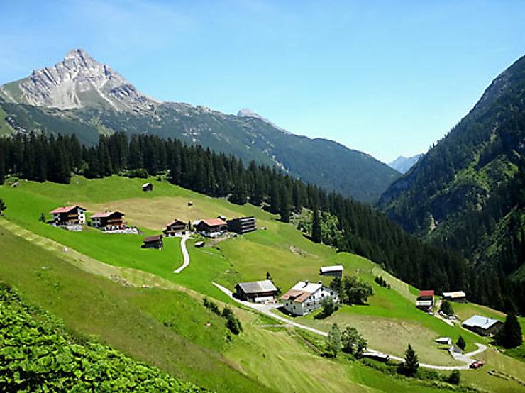 Lech et l'Arlberg, sur la frontière…