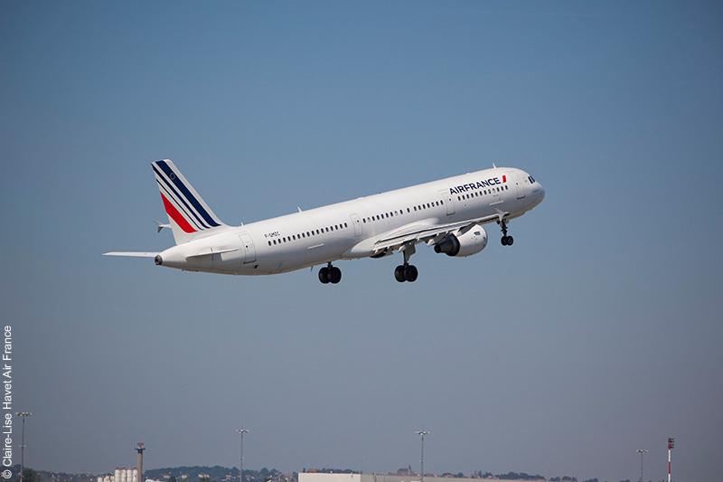 Covid-19 : Air France propose désormais le remboursement des vols annulés - Routard.com