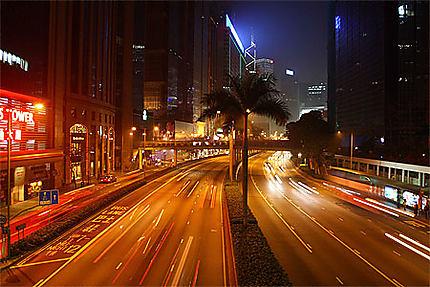 Rue de l'île de Hong-Kong de nuit